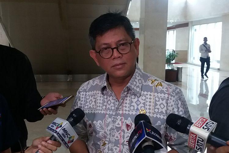 Anggota Komisi III DPR RI Taufiqulhadi di Kompleks Parlemen, Senayan, Jakarta, Rabu (12/7/2017).
