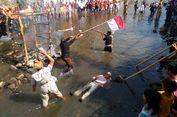 Di Yogyakarta, Warga Upacara di Tengah Sungai Code
