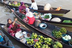 Pasar Terapung di Lok Baintan, Berbelanja sambil Bergoyang...
