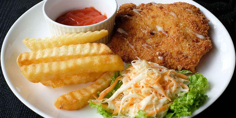 Chicken Schnitzel  di Amos Kitchen, Cipete, Jaksel.