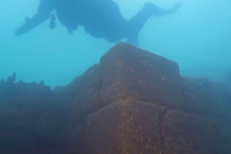 Kastil bawah air di Danau Van, Turki