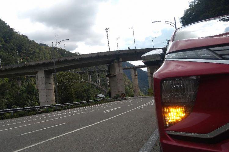 Lampu depan Mitsubishi Xpander