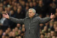 Soal Tandukan Fellaini, Mourinho Sebut Aguero Cerdik dan Berpengalaman