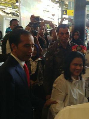 Presiden Joko Widodo berangkat ke Sukabumi dari Stasiun Gambir, Jakarta, Kamis (31/8/2017).