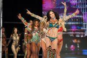 Sama Seperti Kita, Para 'Bidadari' Victoria's Secret Lahap Makan Pizza