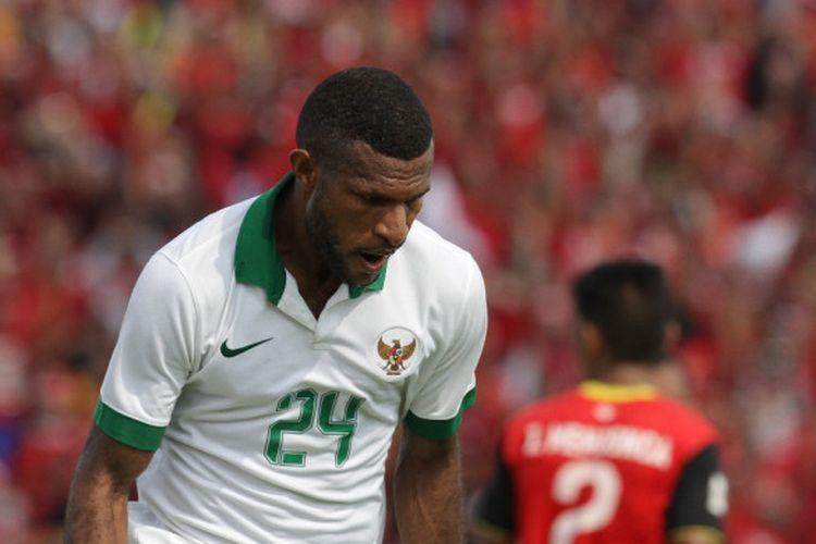 Ekspresi striker Timnas U-22 Indonesia, Marinus Wanewar, saat berhasil mencetak gol ke gawang Timor Leste.