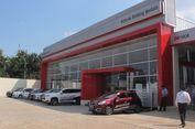 Mitsubishi Dekatkan Diri dengan Warga Parung