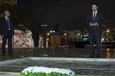 Saad al-Hariri Berdoa di Depan Makam Sang Ayah