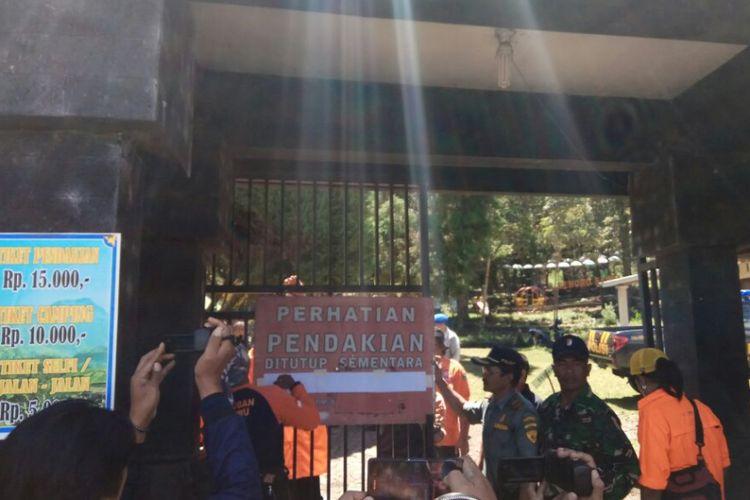Porter Gunng Lawu, Badai dan Kebakaran Landa Gunung Lawu, Jalur Pendakian Ditutup
