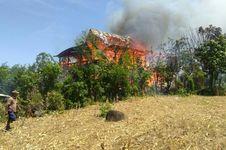 Lupa Matikan Api saat Memasak, Rumah Seorang Nenek Ludes Dilalap Api