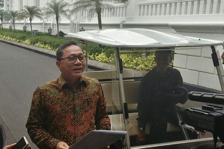 Ketua MPR Zulkifli Hasan usai menemui Presiden Joko Widodo di Istana, Selasa (18/7/2017)