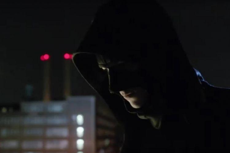 Cuplikan film Gotham menampilkan Bruce Wyne mengenakan topeng yang menjadi cikal bakal kostum Batman.