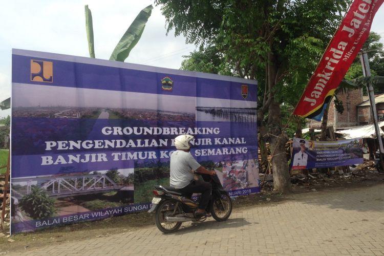 Ground breaking normalisasi Sungai BKT di Semarang, Jawa Tengah, Jumat (5/1/2018).