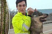 Foto dengan Serigala Langka Hasil Buruan, Pria Spanyol Dikecam