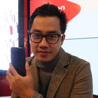 Sejumlah Artis Pun Ikut Antre IPhone 7 Di Jakarta