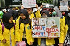 Minta Setya Novanto Jadi Tersangka Lagi, Puluhan Mahasiswa Aksi di Gedung KPK
