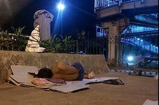 Tanpa Tempat Tinggal, Buruh Serabutan Berusaha Taklukan Ibu Kota