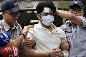 Bawa Bendera China dan Katana, Pria Ini Tikam Polisi di Luar Kantor Presiden
