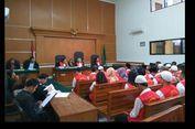 26 Terdakwa Koperasi Pandawa Menangis Saat Baca Pleidoi di PN Depok