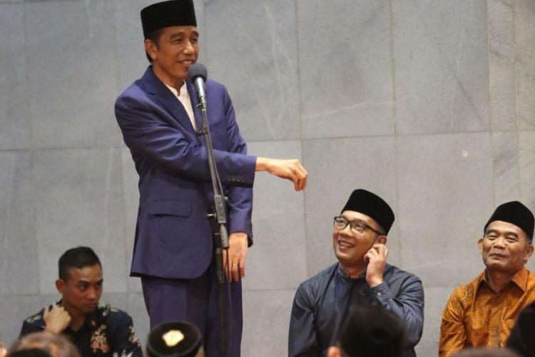 Presiden Joko Widodo saat menghadiri kegiatan silaturahmi bersama keluarga besar Persatuan Islam (Persis) di Masjid PP Persis, Jalan Pelajar Pejuang, Kota Bandung, Selasa (17/10/2017) malam.