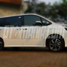 Eksterior Toyota Voxy, Kotak dan Sporty
