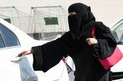 Perempuan Arab Saudi yang Mengemudi Mobil, Kini Masih Diburu Sanksi