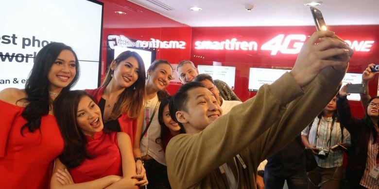 976487491 » Ini Dia, Pemilik Pertama IPhone 7 Resmi Di Indonesia