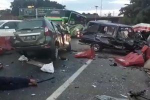 Tabrakan Kijang dan Avanza di Tol Cawang, Korban Bergelimpangan