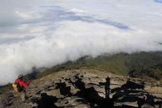 Gunung Agung di Mata Pendaki Indonesia