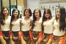 Mengintip Seksinya Restoran Hooters Jakarta