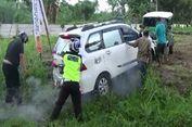 Sopir Ngantuk, Mobil Pemudik Tabrak Pohon dan Lampu Jalan