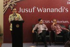 Akbar Tandjung Khawatir Golkar Kiamat karena Pertahankan Novanto