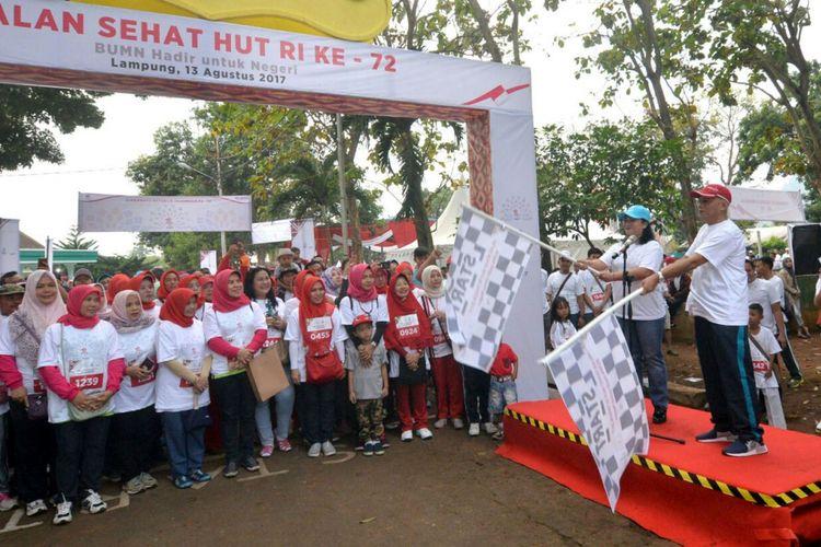 PT Perusahaan Gas Negara (Persero) Tbk menggelar lomba jalan sehat untuk memperingati HUT Kemerdekaan Republik Indonesia ke-72 di Lampung, Minggu (13/8/2017).