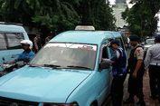 Polisi Sosialisasi Peraturan Angkutan Umum Wajib Menutup Pintu