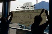 Dikira Sudah Beroperasi, Calon Penumpang Datangi Halte Kampung Melayu
