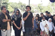 Jenazah Ibunda Indra dan Mira Lesmana Dimakamkan di TPU Tanah Kusir