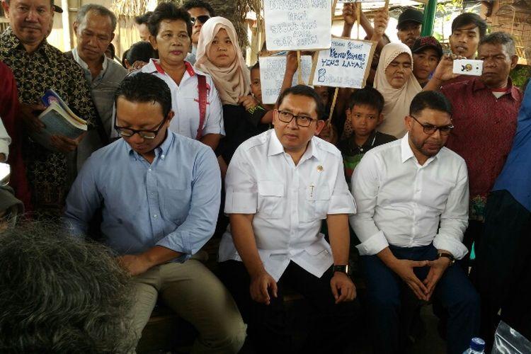 Wakil Ketua DPR RI Fadli Zon saat mengunjungi Kampung Kebun Bayam di Kelurahan Papanggo, Tanjung Priok, Jakarta Utara, Rabu (13/9/2017).