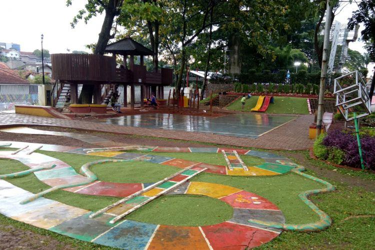 Kawasan Sempur, kini tak hanya jadi tempat berolahraga bagi warga Bogo, tapi juga bermain dan rekreasi keluarga.