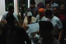 Video: Novanto Keluar Lewat Belakang RSCM dan Tutupi Wajah
