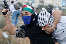 Tentara Israel yang Menyamar Tangkap Demonstran Palestina