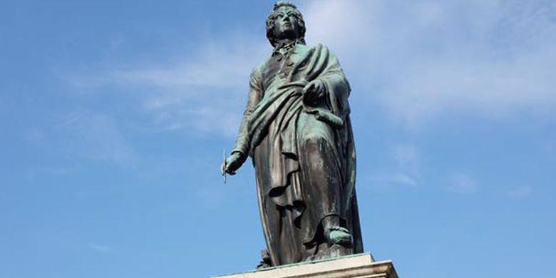 Patung Mozart di Salzburg. Salzburg memang terkenal sebagai salah satu tujuan wisata populer di Austria.