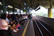 Gangguan Persinyalan di Stasiun Gambir, 5 Rangkaian KRL Tertahan