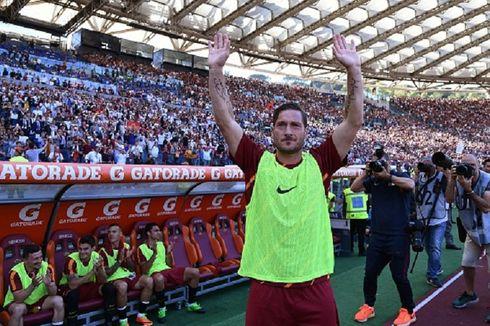 Francesco Totti Bakal Ikuti Jejak Paolo Maldini dan Johan Cruyff