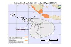 Kenapa Siklon Cempaka Lebih Dahsyat Dampaknya Dibandingkan Dahlia?