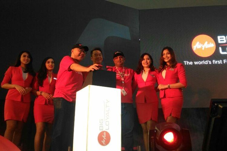 Jajaran direksi AirAsia Group saat meluncurkan Program Freedom Flyer di AirAsia RedQ, Kuala Lumpur, Malaysia, Jumat (8/9/2017).