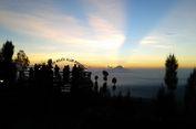Mengejar Satu Matahari Dapat Delapan Gunung