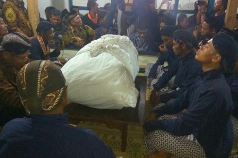 Ribuan Warga Yogyakarta Hadiri Pembukaan Ramalan Cupu Panjala