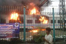 Kereta yang Terbakar di Senen KA