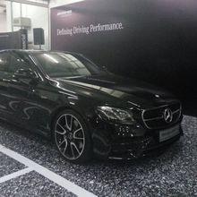 Penampakan Mercedes-Benz E 43 AMG di Sirkuit Sepang