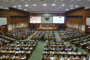 Diwarnai Aksi 'Walk Out', DPR Sahkan UU Pemilu